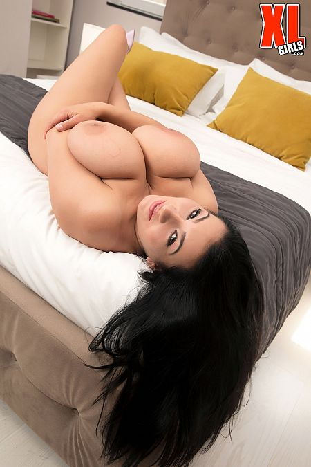 More Bounce To The Ounce With Helen Star