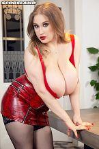 Cheryl Blossom: Her Sexy Eyes Hypnotize