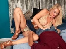 Charlee Seek Lends A Hand
